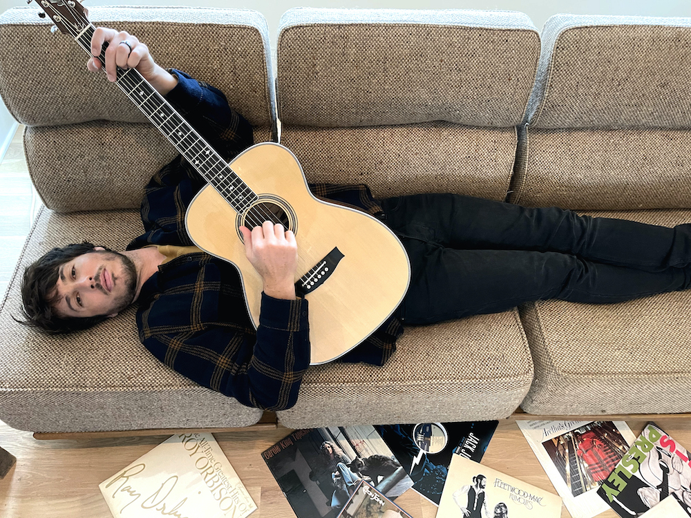 morgan evans on couch at home in nashville