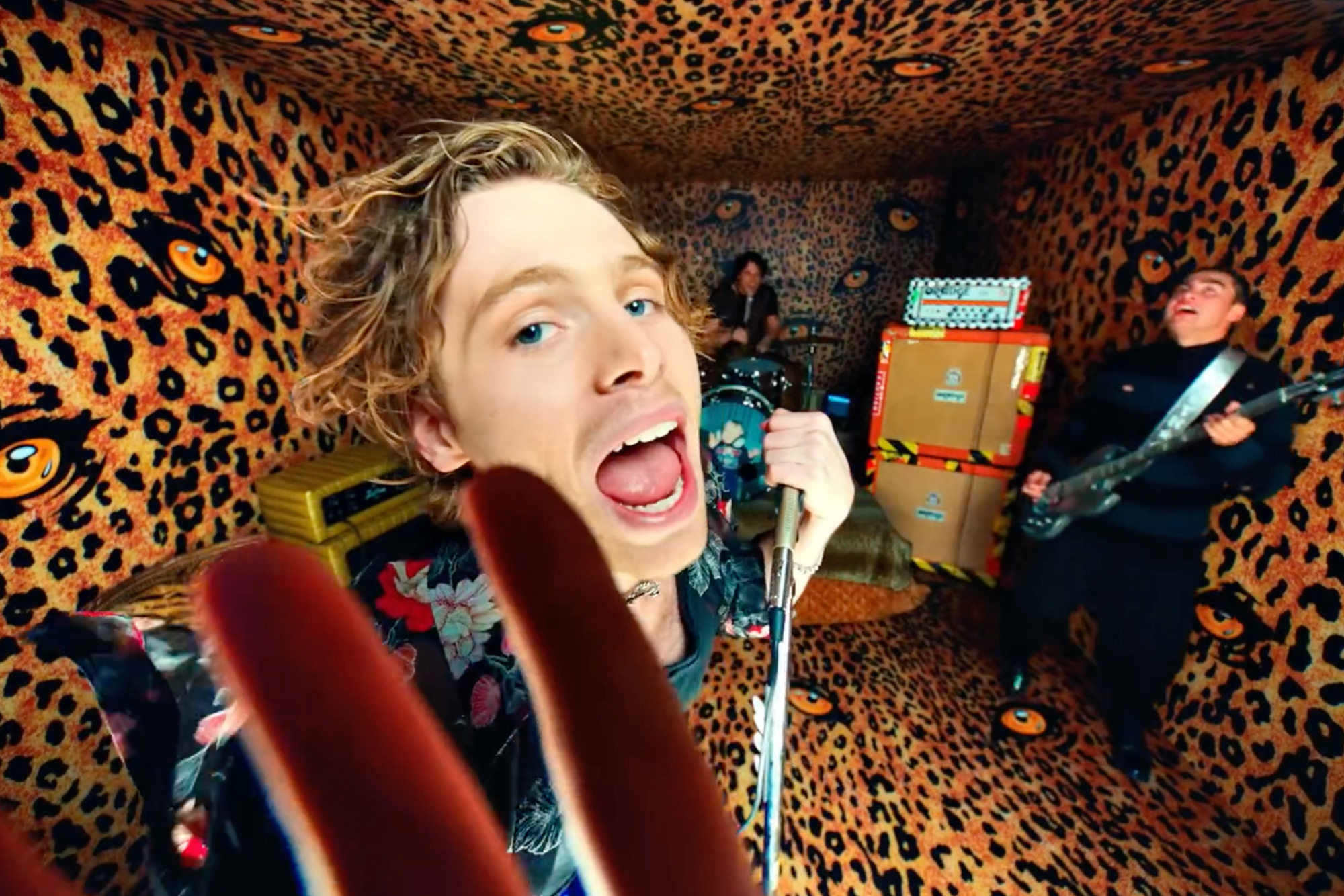 5 Seconds of Summer Feel 'No Shame' in New Video
